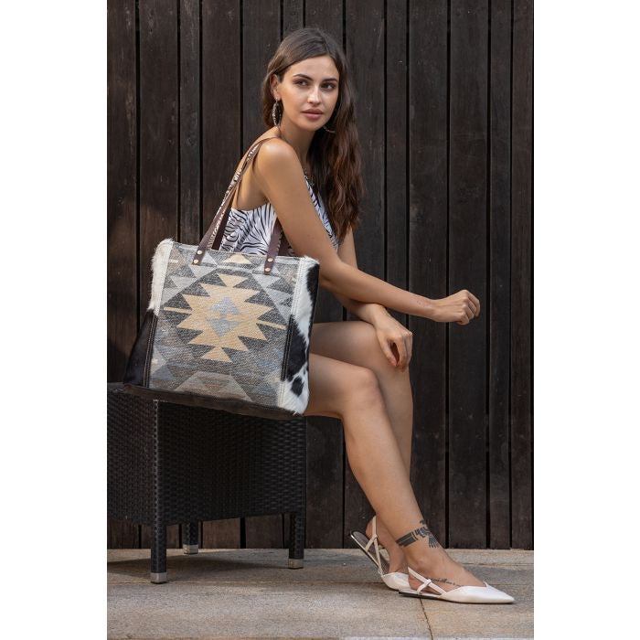 Myra Bag- Quaint Tote Bag