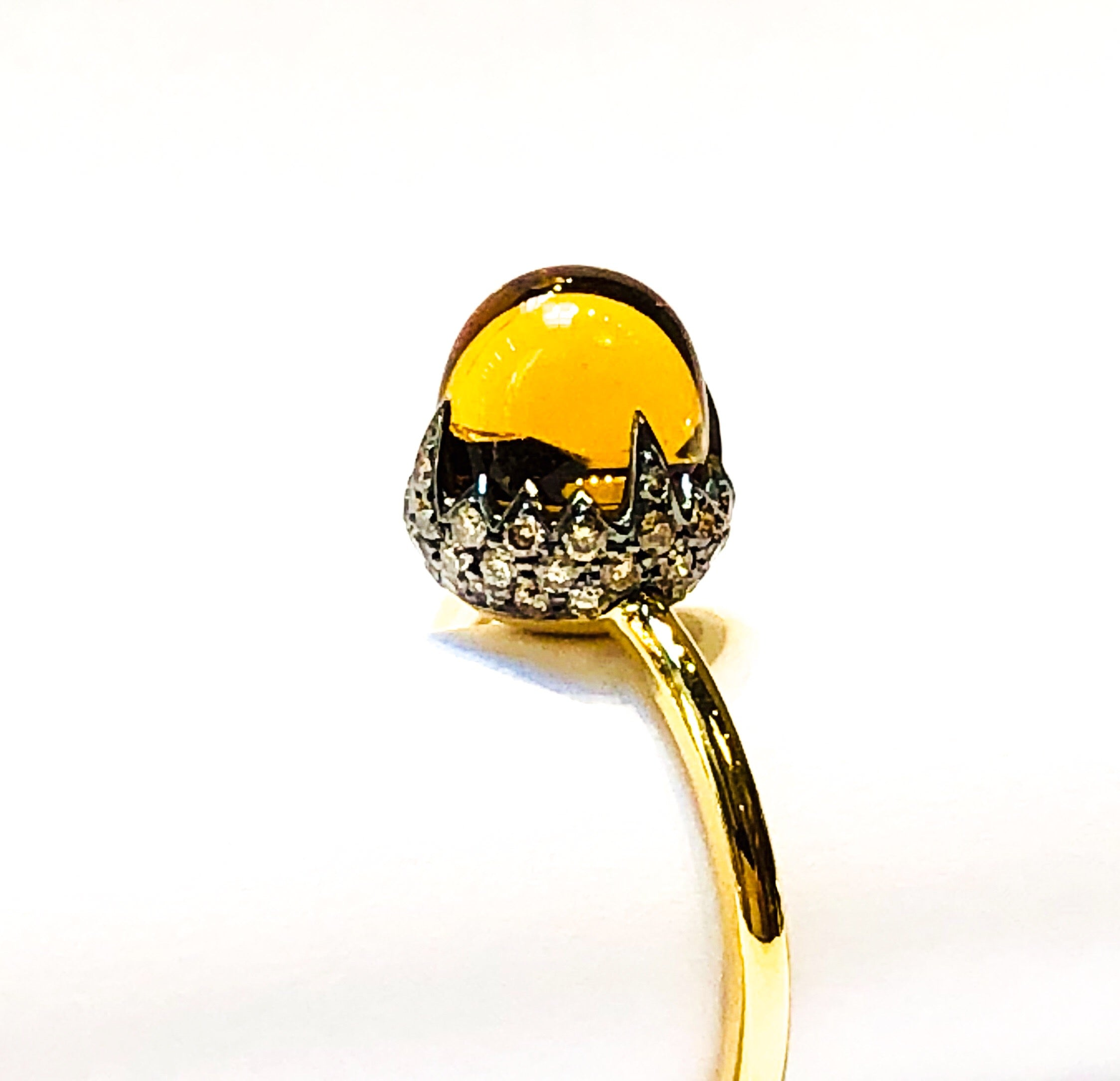 "18kt Gold ""Acorn"" Cabochon Ring"