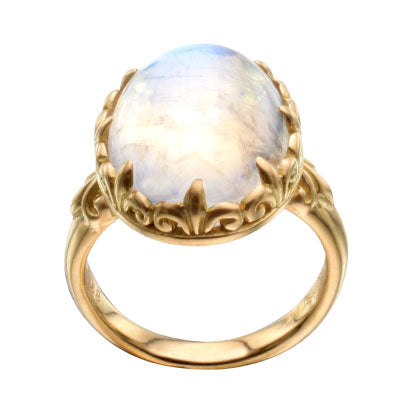 18kt Yellow Gold and Moonstone Ring