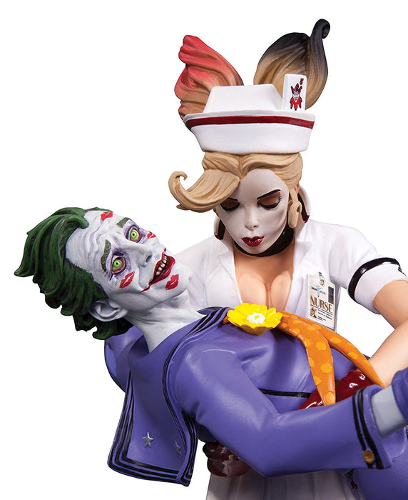 DC Comics AUG150309 2nd Edition Bombshells Joker and Harley Quinn Statue