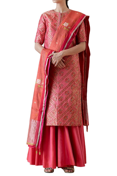 Ekaya Pink Silk Kurta Set with geometric pattern and chanderi tissue dupatta - BY ELORA