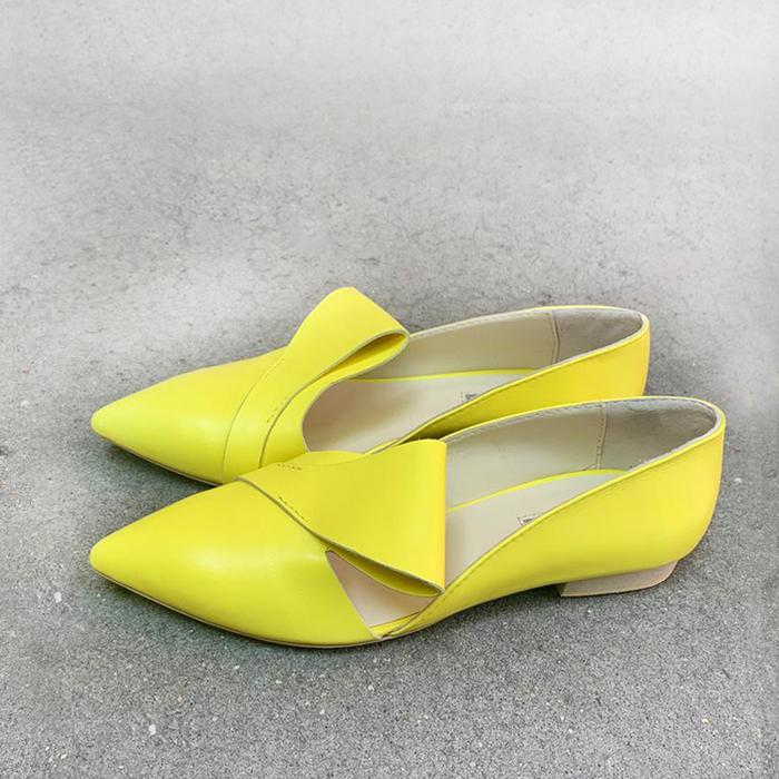 Yellow leather flat shoes
