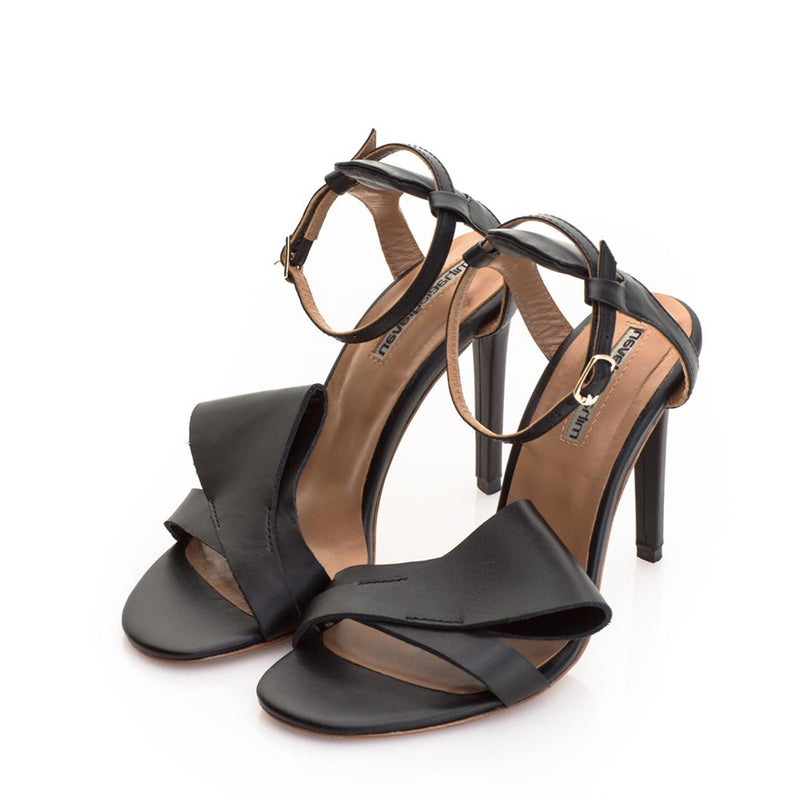Honest Bow Black Sandals