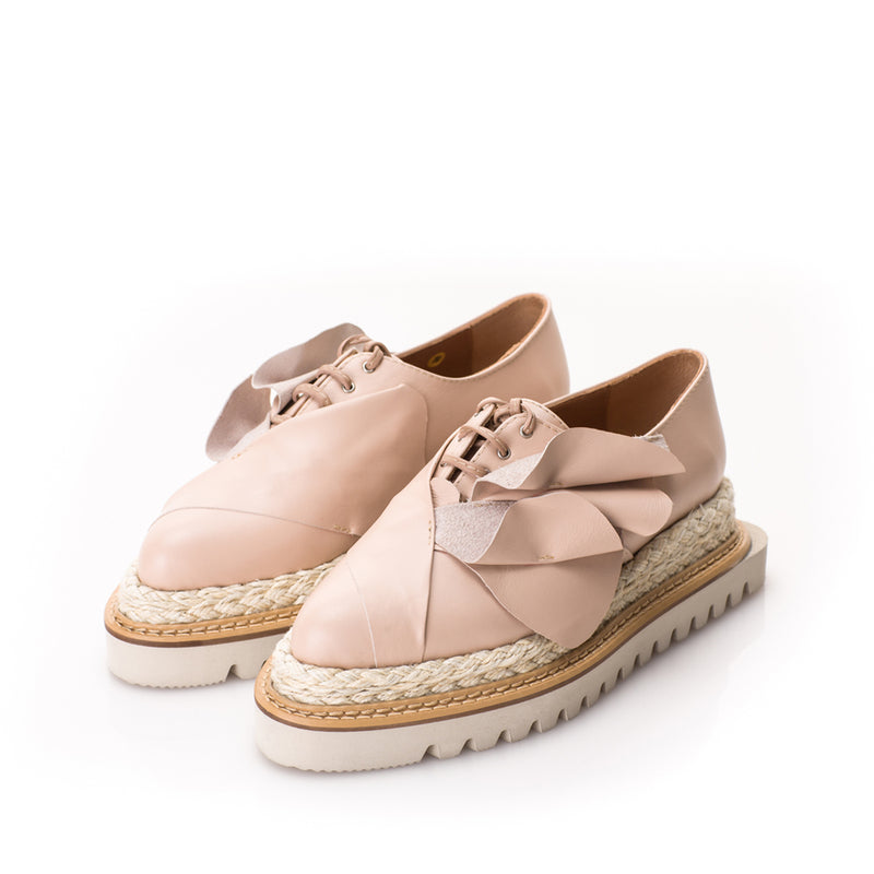Tulips beige leather flat platform