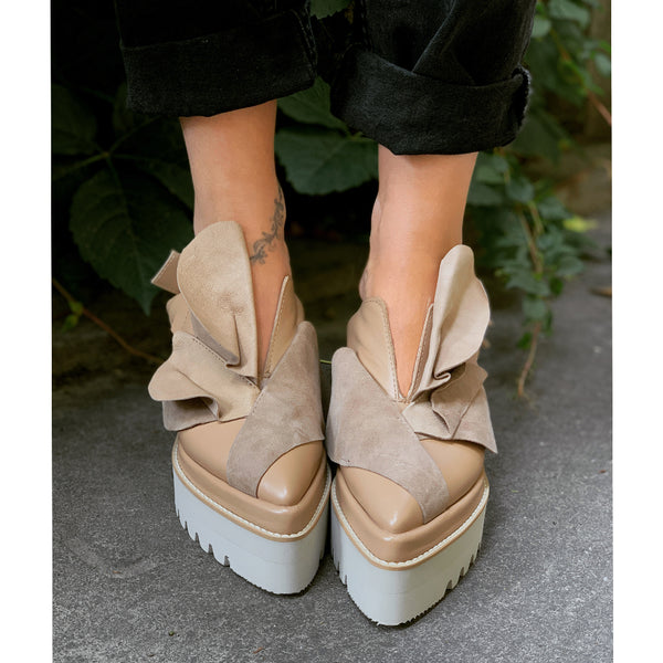 Tulips beige open back shoes