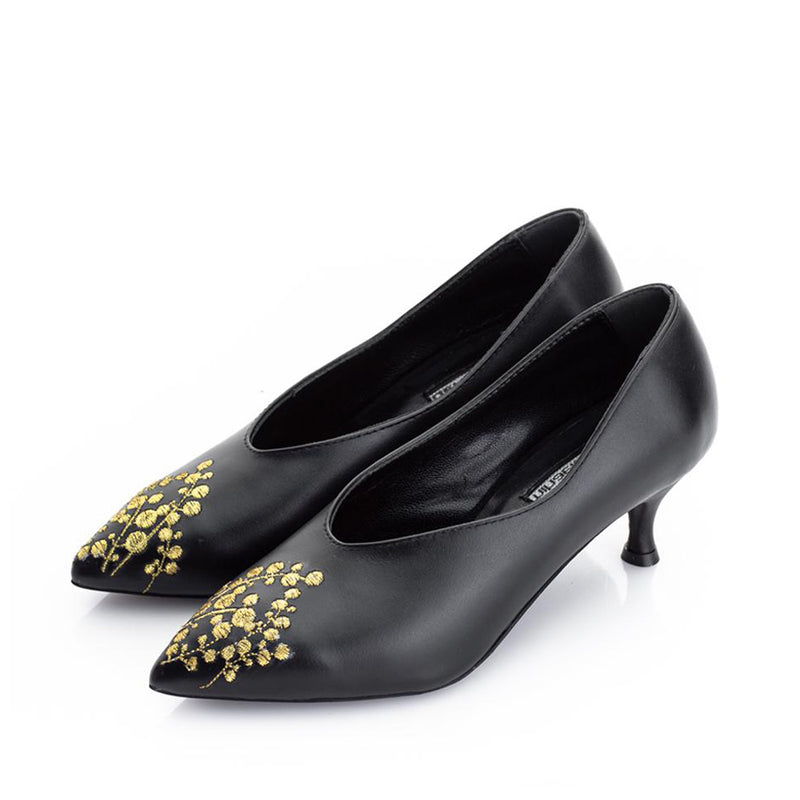 LILY OF THE VALLEY pumps