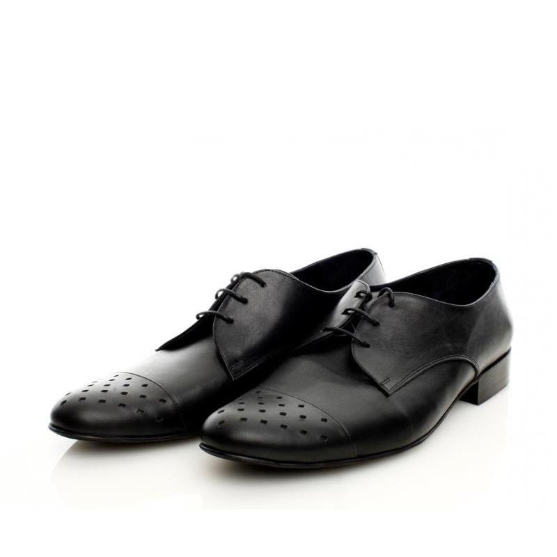 Cut-out Illusion Black Shoes