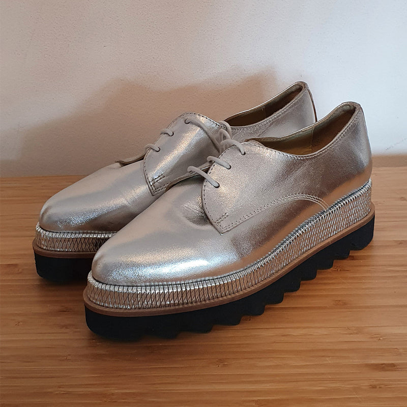 Silver leather flat shoes