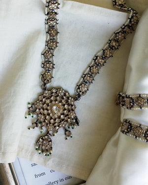 Gauhar Necklace