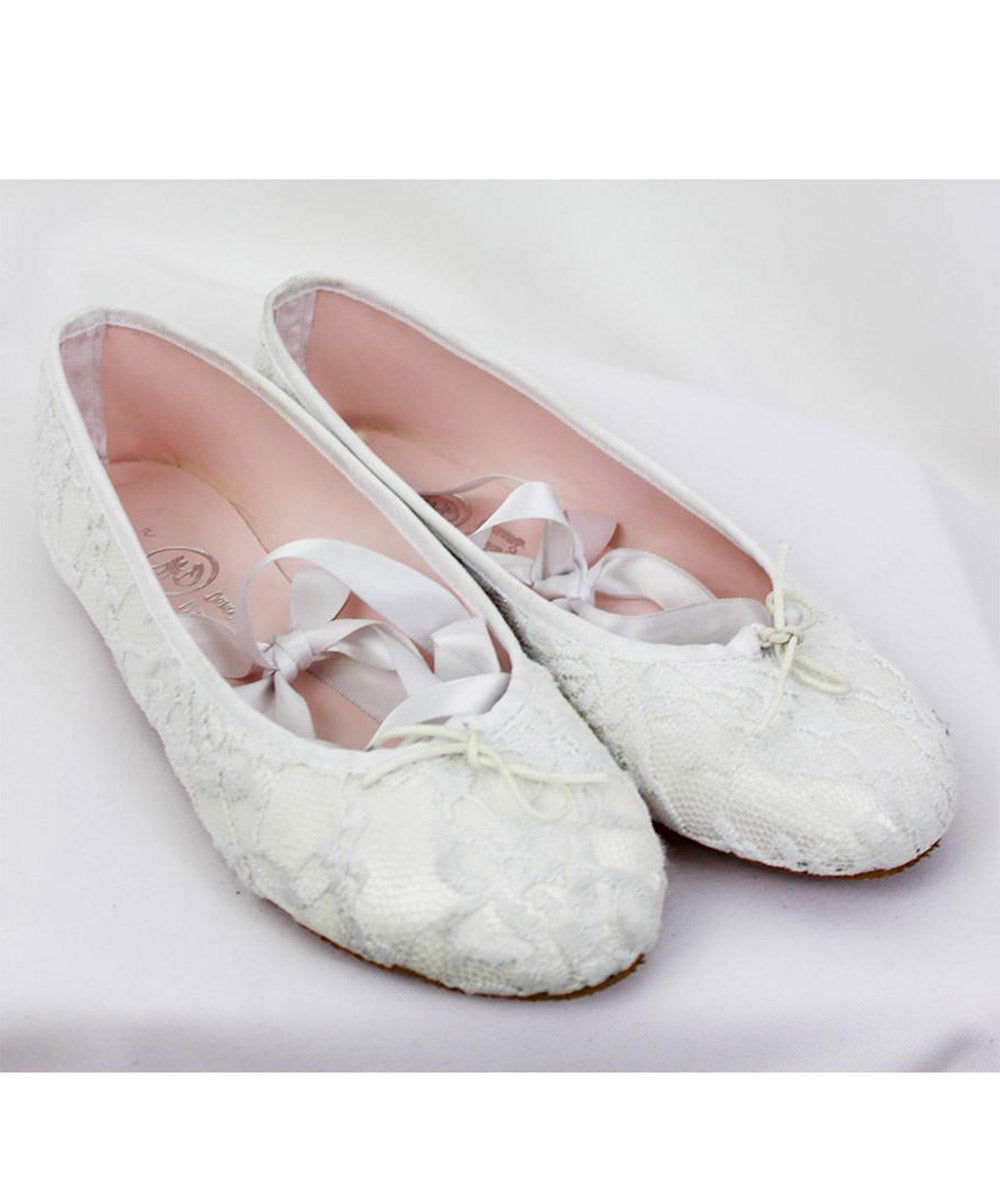 1ce81cd6fd1 White Lace and Satin Drawstring Ballet Pumps (WDSP15A01)