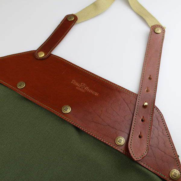 Aprons  for gardening. woodwork, cooking, BBQ aprons 100% green cotton with chestnut brown bridle leather  detachable bib made in England Sam Brown London