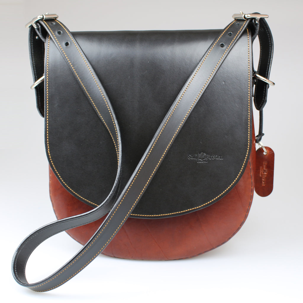Front view Classic leather Saddle Bag with shoulder strap