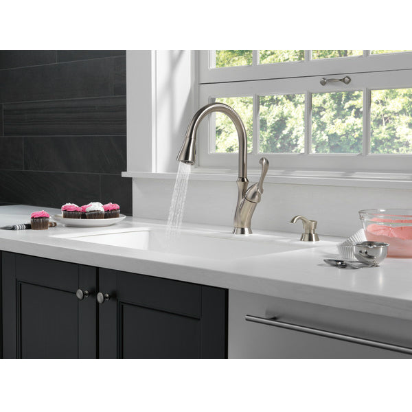 Delta 19950Z-SSSD-DST Arabella Single Handle Pull-Down Kitchen Faucet, Stainless