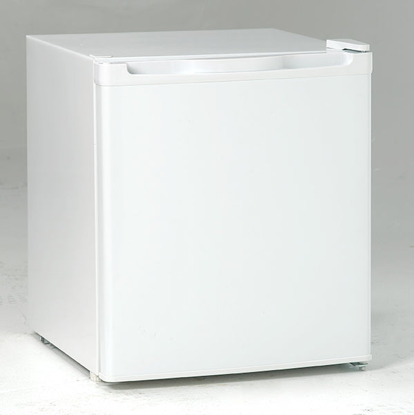 Avanti RM17T0W Refrigerator with Manual Defrost, White, 1.7 Cu. Ft.