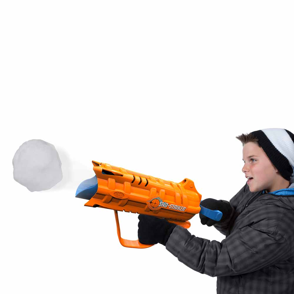 Ideal 0C8340TL Sno-Striker Snow Ball Launcher Toy