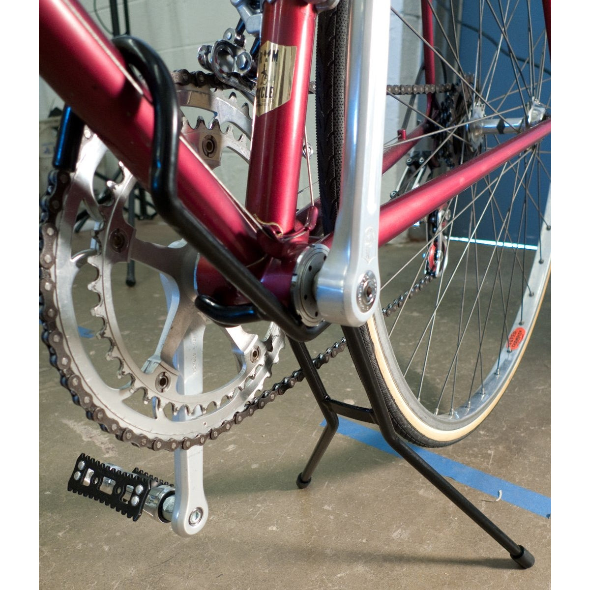 Dajia Cycleworks Two-Leg Stand
