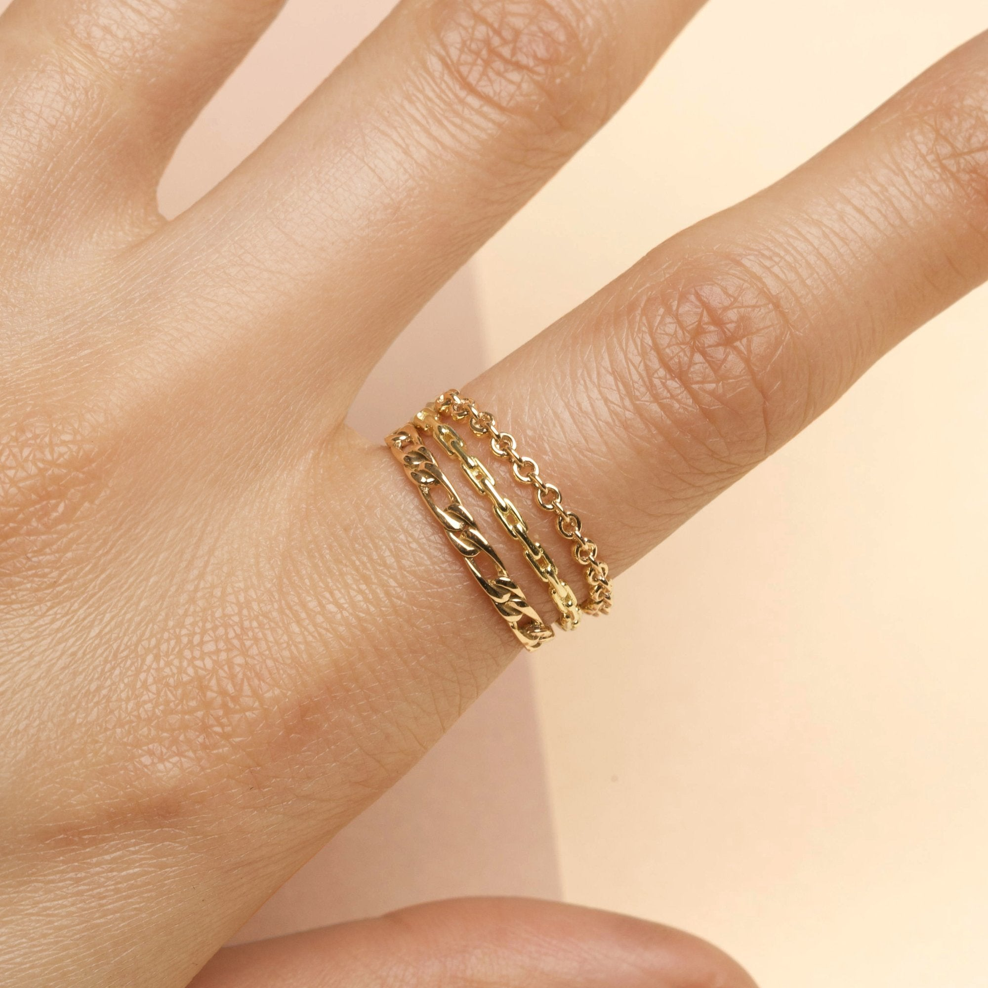 Thin Gold Chainlink Ring