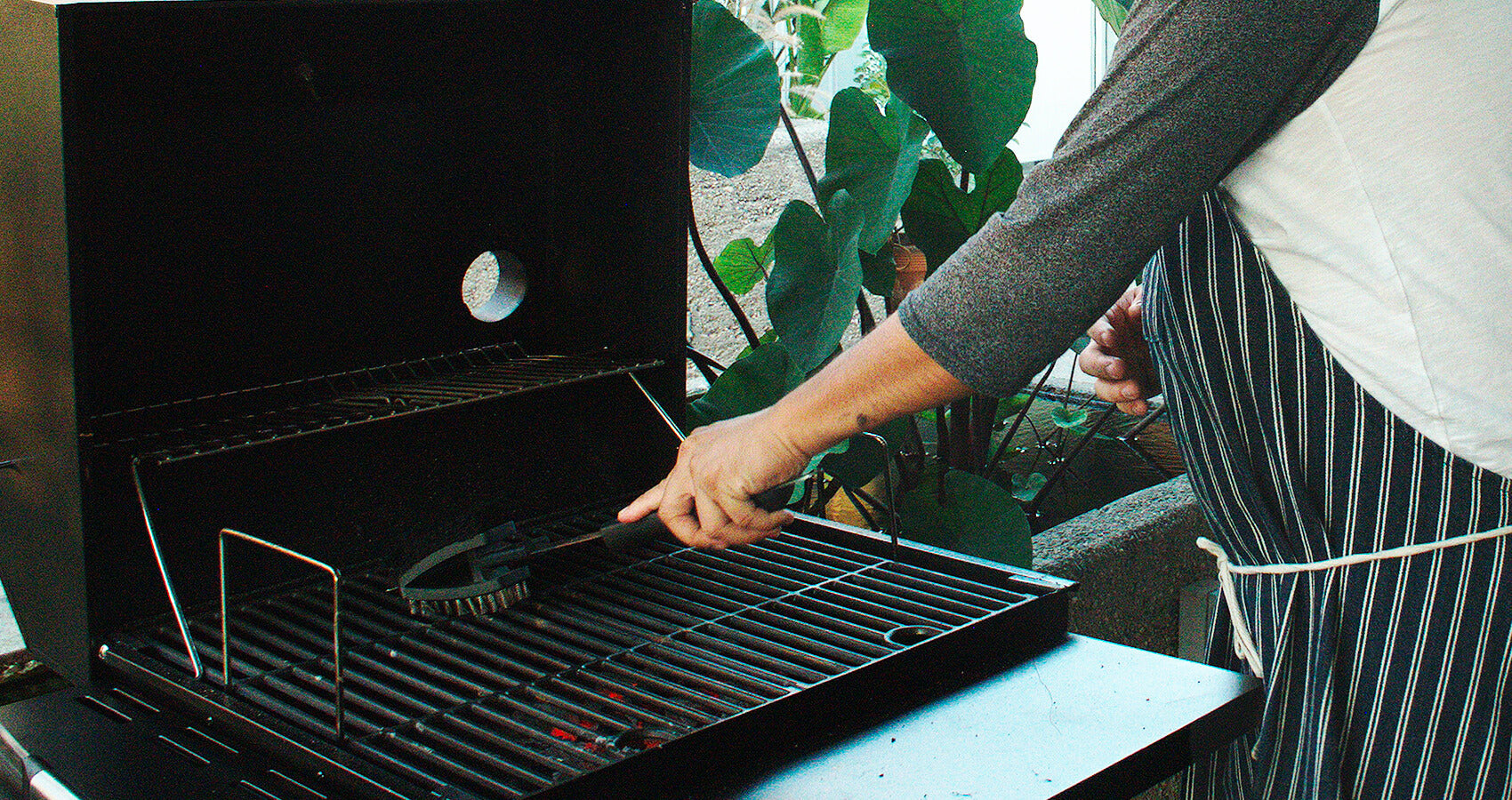 preparing grill for winter season