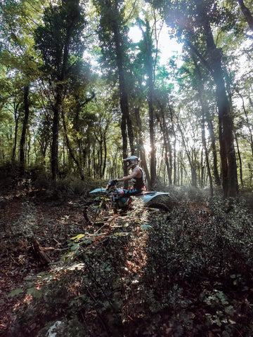 apache customs enduro valpolicella into the woods