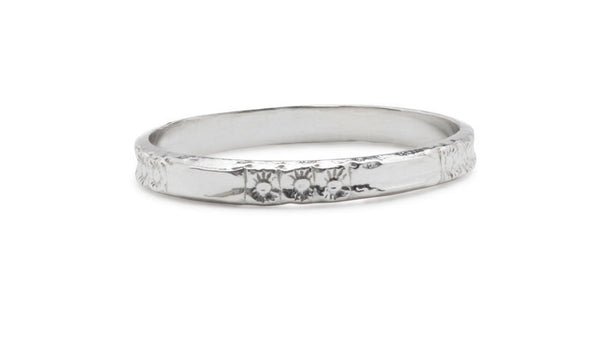 Sharp wedding band 14 kt white gold art deco floral styled