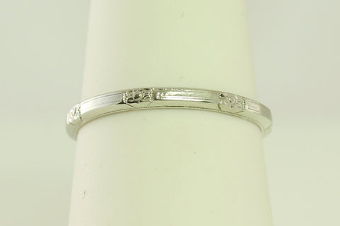 GREAT BUY - 14 kt Floral Art Deco Styled White Gold Wedding Band