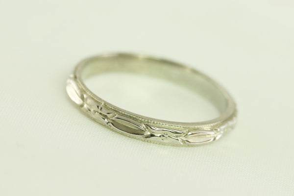 Super Buy Antique Art Deco Floral and Bar Styled 14kt White Gold Wedding Band