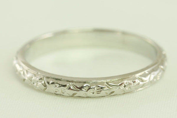 Stunning Wedding Band Art Deco Antique Floral Styled 14kt White Gold