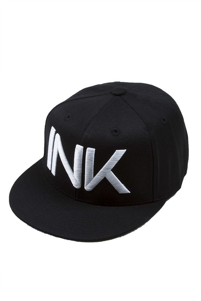INK Fitted Black/White