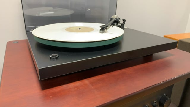 SOLD: Rega Planar 3 Hifi Turntable with New MusicHall Spirit Cartridge