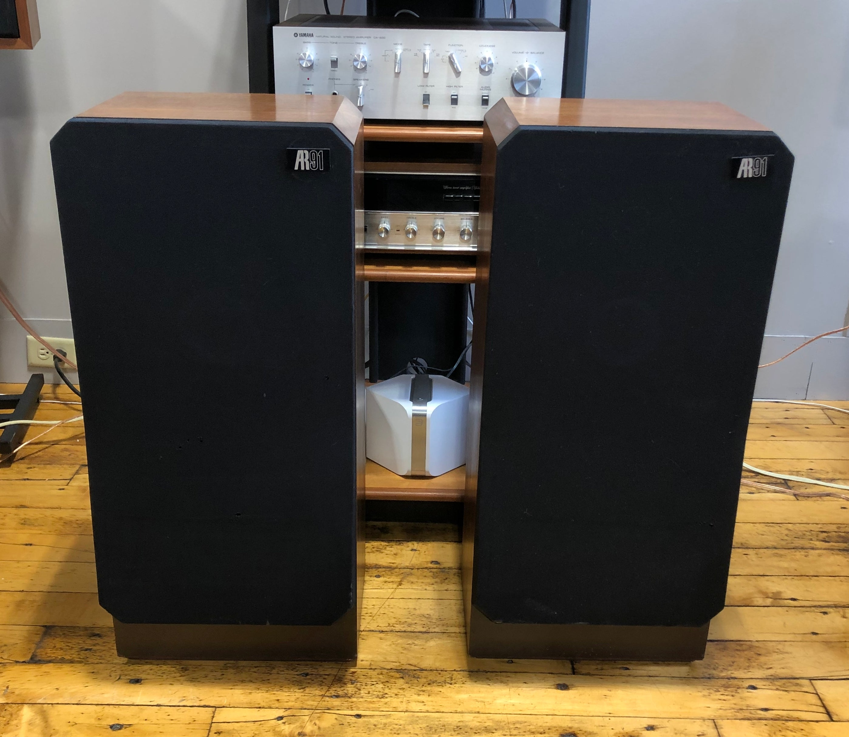 Acoustic Research AR91 3-way Tower Speakers