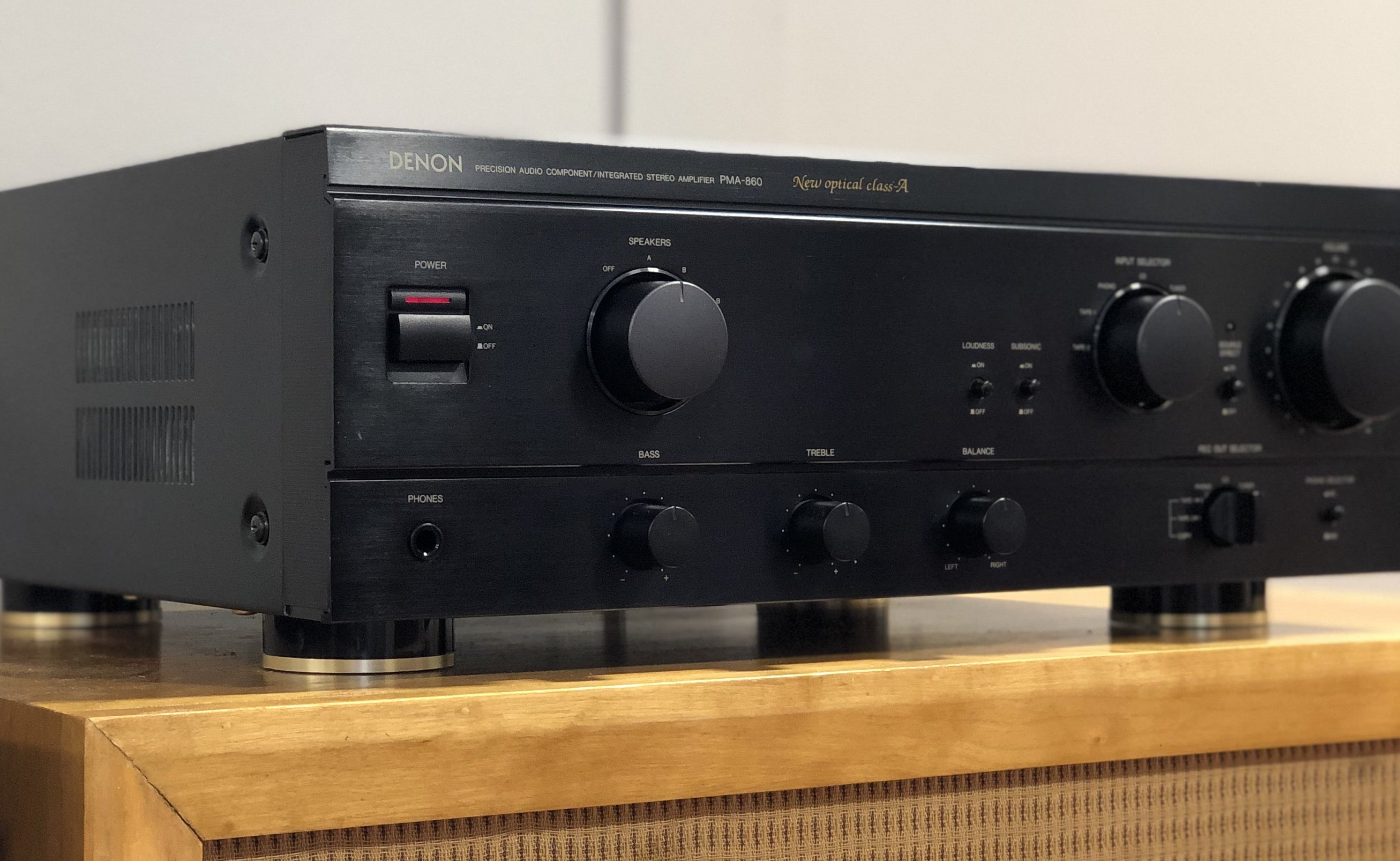 SOLD: Denon PMA-860 Stereo Integrated Amplifier, Robust Power