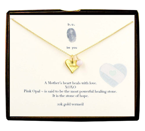 SCN373V A Mother's Heart Heals With Love Gold