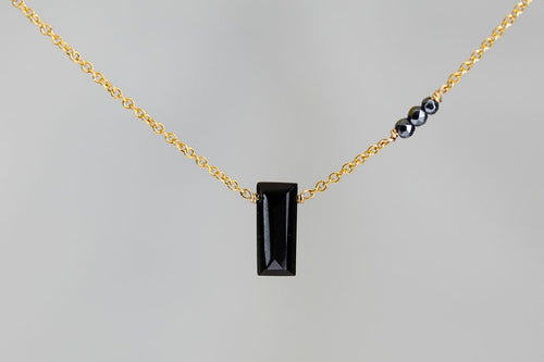 X3BSHMG Black Spinel Small Baguette Hematite Accent Gold Necklace