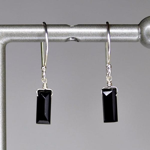 XE1BSS Small Baguette Earring Black Spinel Silver