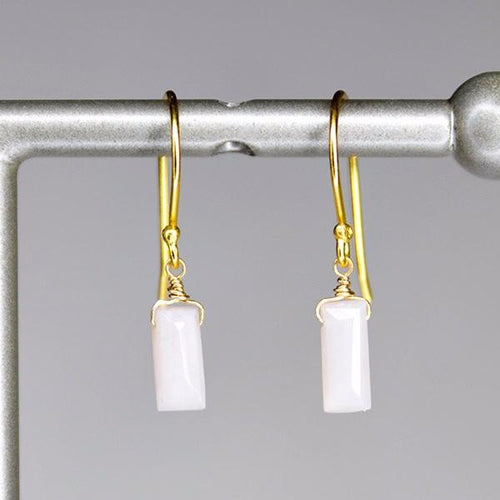 XE1POG Small Baguette Earring Pink Opal Gold