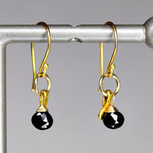 XE2BSG Black Spinel Earring with Gold accent
