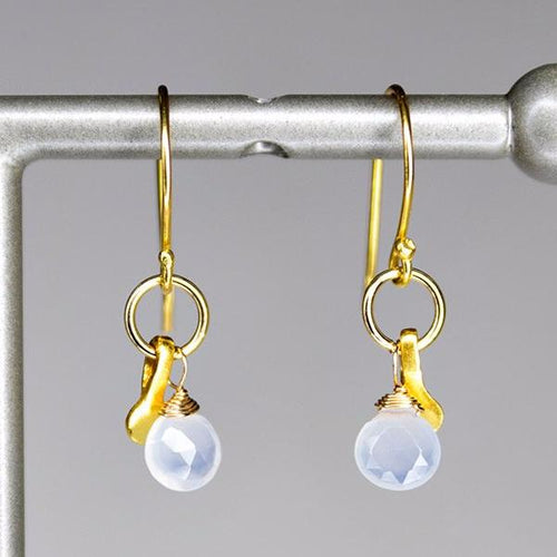 XE2CHG Chalcedony Earring with Gold accent