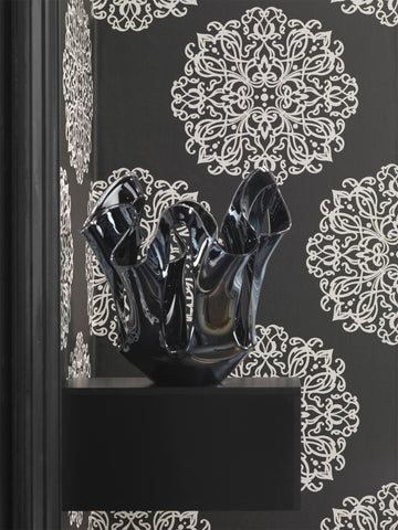 The Most Striking Black And White Wallpapers For Modern