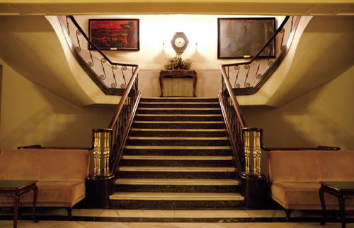 Grand Stairs Traditional Mural Wallpaper M9011