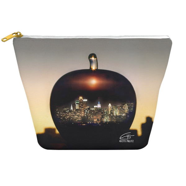 In Love with New York 'Big Apple' Dopp Kit