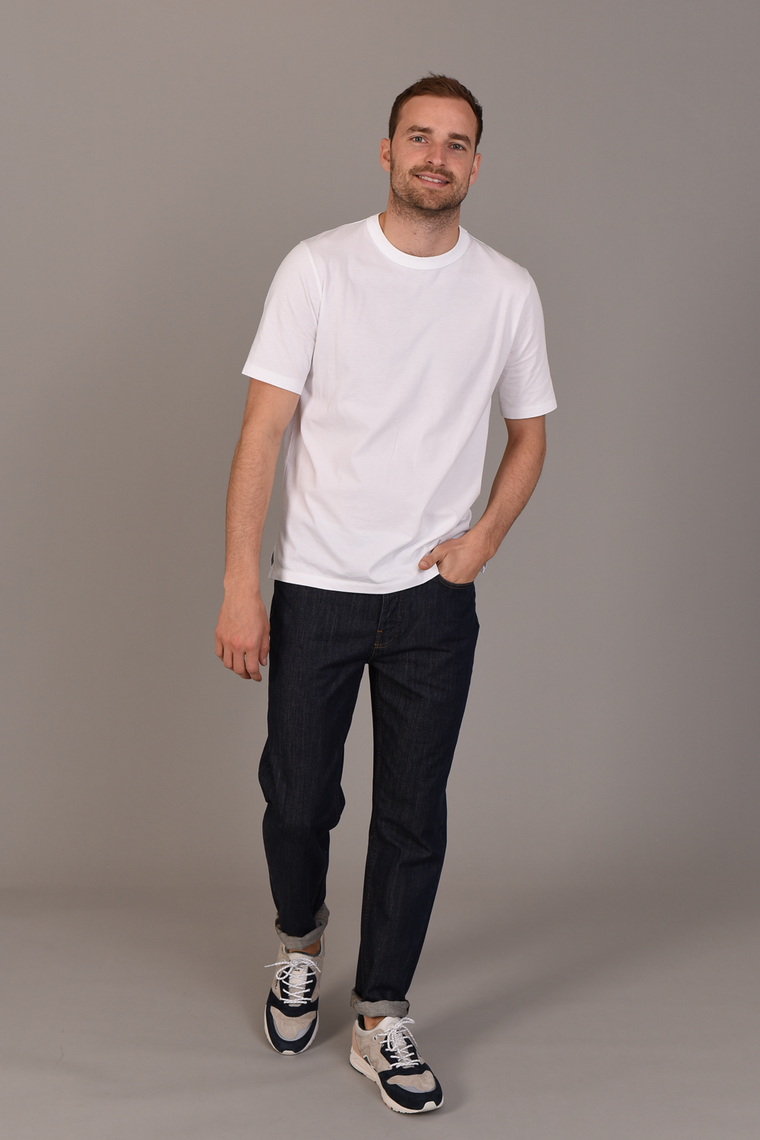 Centre Front Menswear White T-Shirt in Slimmer Fit