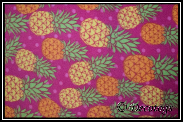 BRIGHT PINEAPPLES