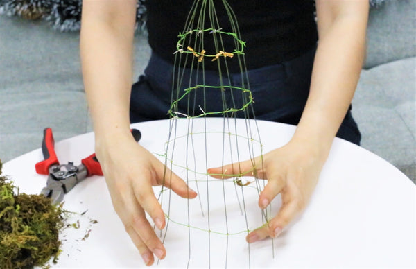 Use the floral wire to make a Christmas succulent tree shape