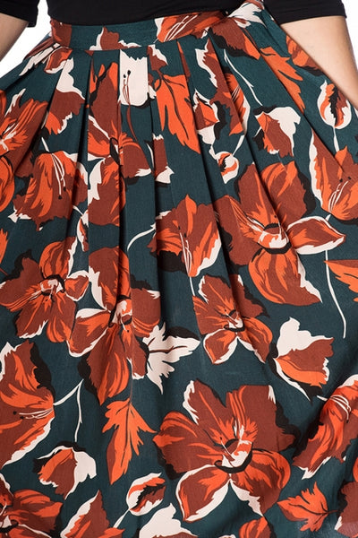 Banned-dreamy-days-orange-floral-pleat-skirt-modeled-detail