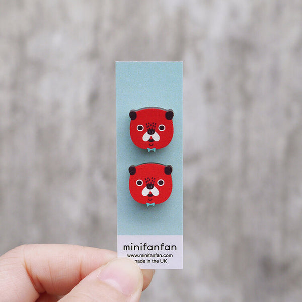 cute-pug-minifanfan-earrings-on-card