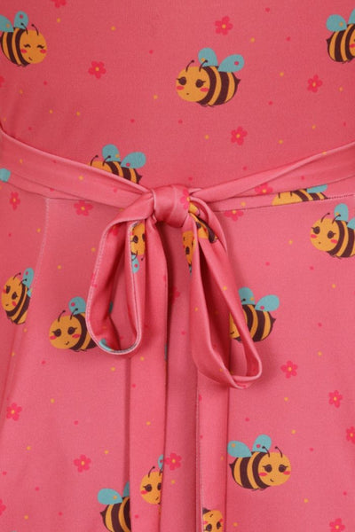 Lady-Voluptuous-busy-bee-lyra-tie-detail