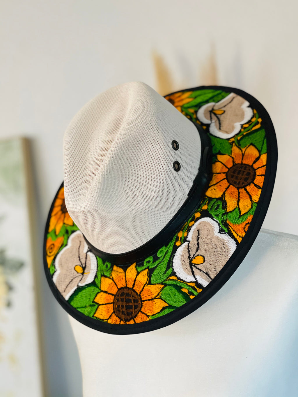 Embroidered brim hat