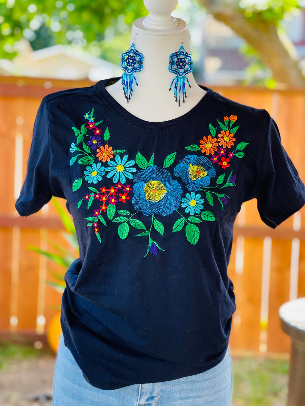 Érica Embroidered T-Shirt