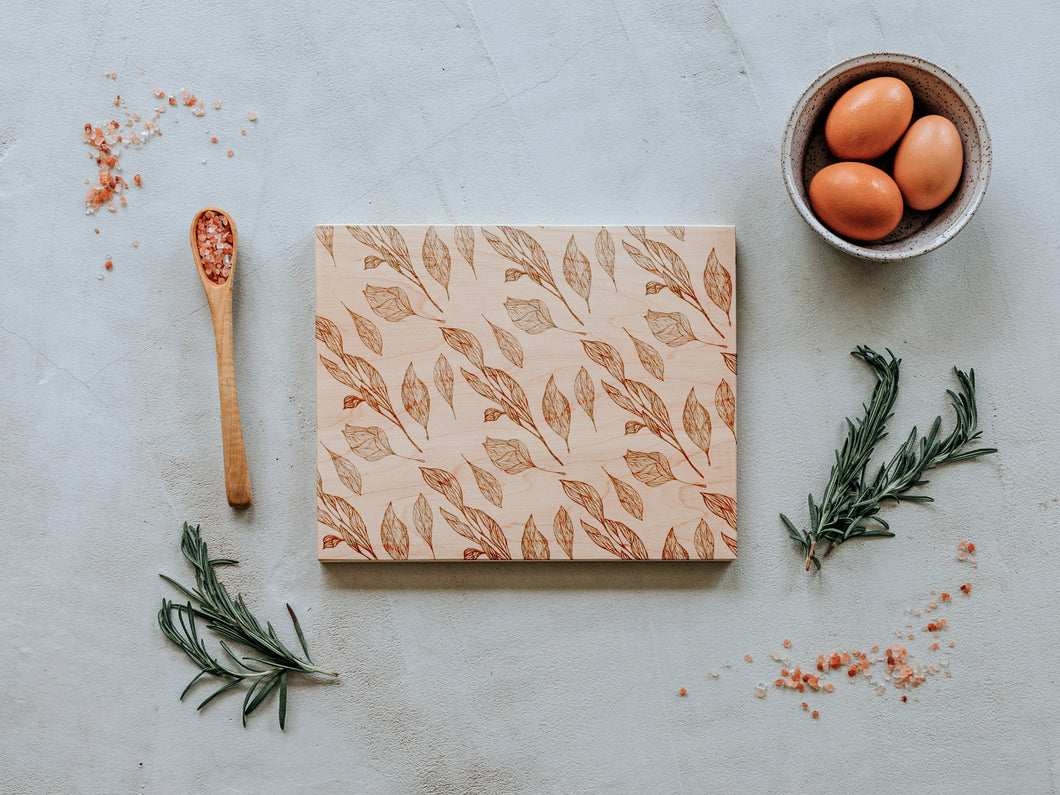 Botanical Leaf Pattern Engraved Wooden Cutting Board