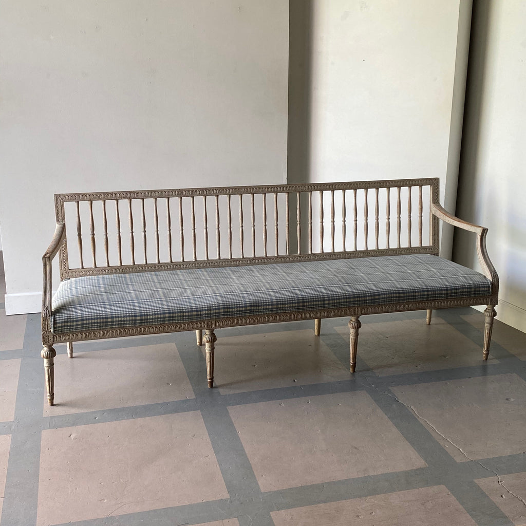 Spindleback Swedish Bench
